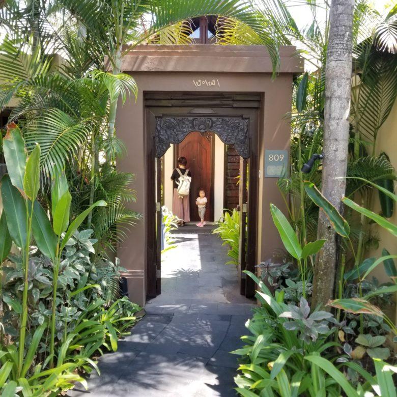 セントレジスバリ バリ島 最高級ホテル SPGアメックス ポイント 無料宿泊 マリオット ラグーンヴィラ