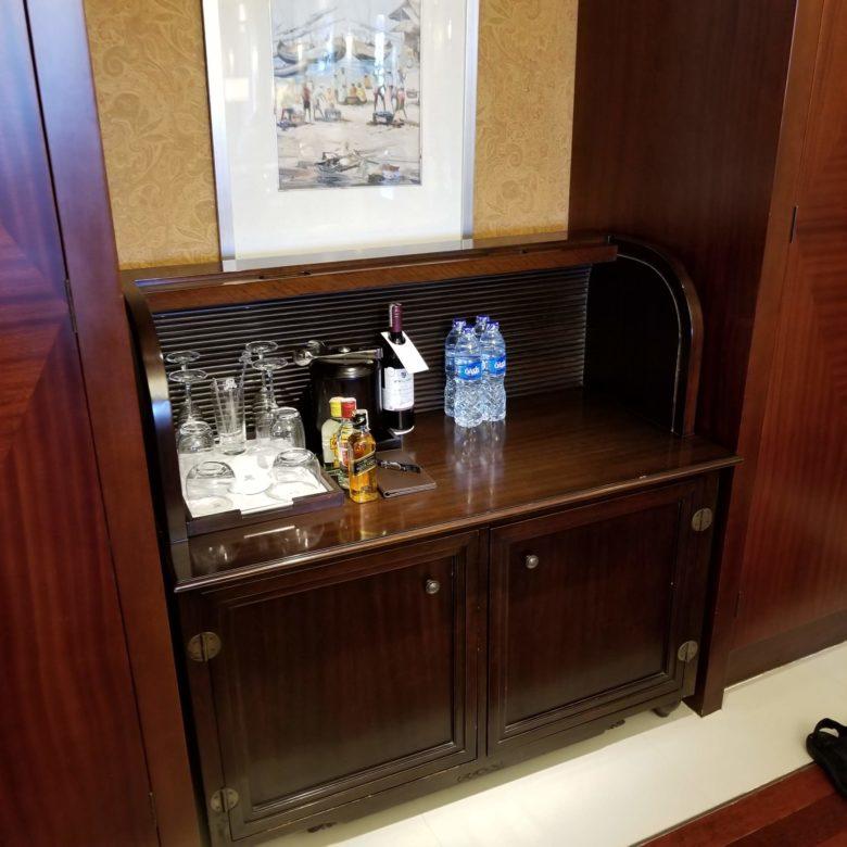 セントレジスバリ バリ島 最高級ホテル SPGアメックス ポイント 無料宿泊 マリオット オーキッドエグゼクティブスイート ミニバー