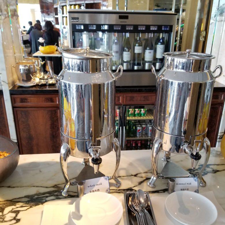 リッツカールトン香港のクラブラウンジの朝食のドリンク