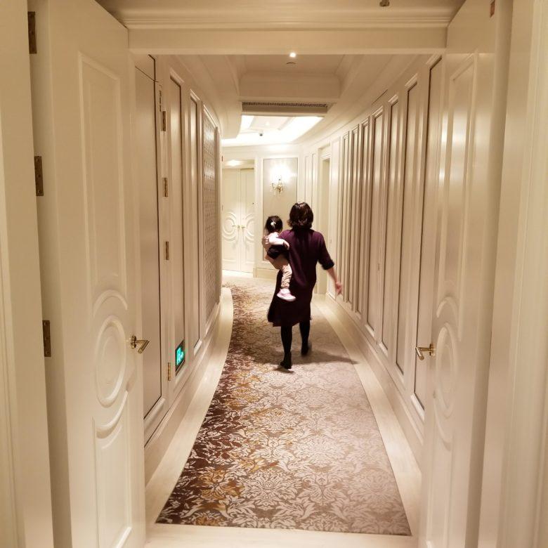 セントレジス珠海の61Fのきれいな廊下