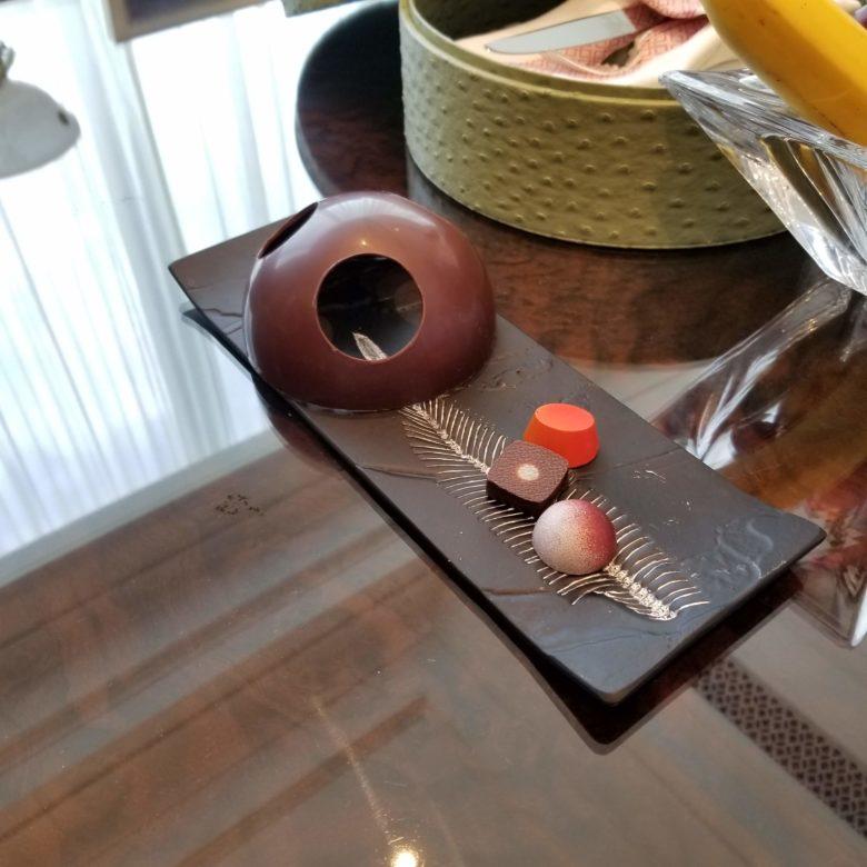 セントレジス珠海のスイートルームのチョコレート