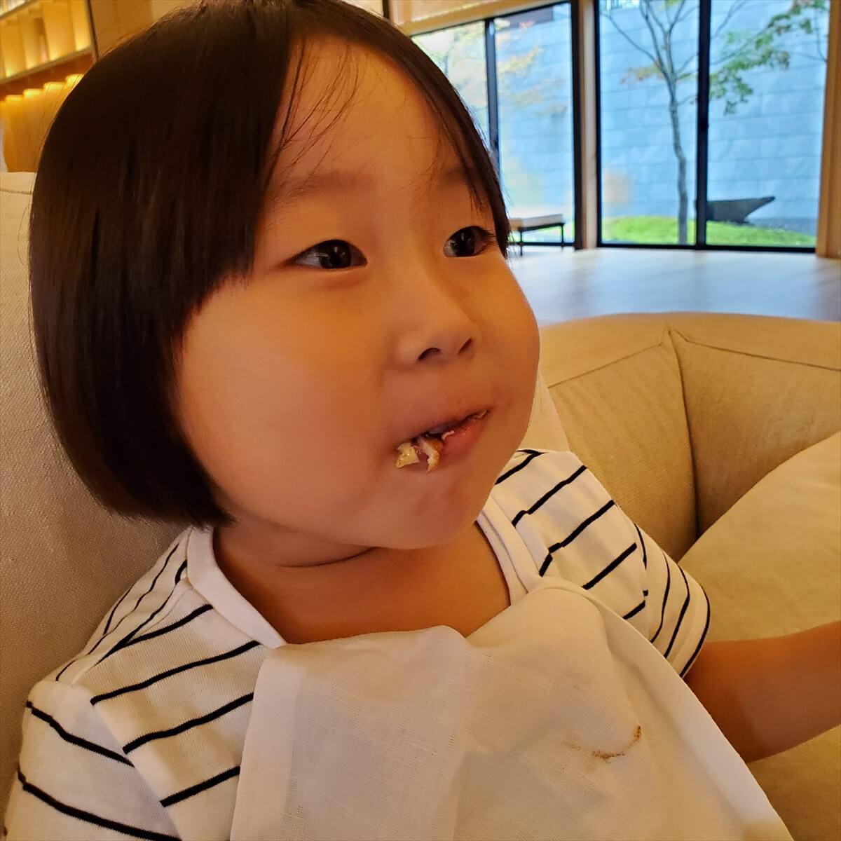 リッツカールトン日光のハンバーガー「和牛バーガー」を食べた娘の反応